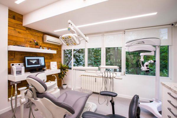 Marinova Dental Clinic - Зъболекар в ж.к. Изток, София